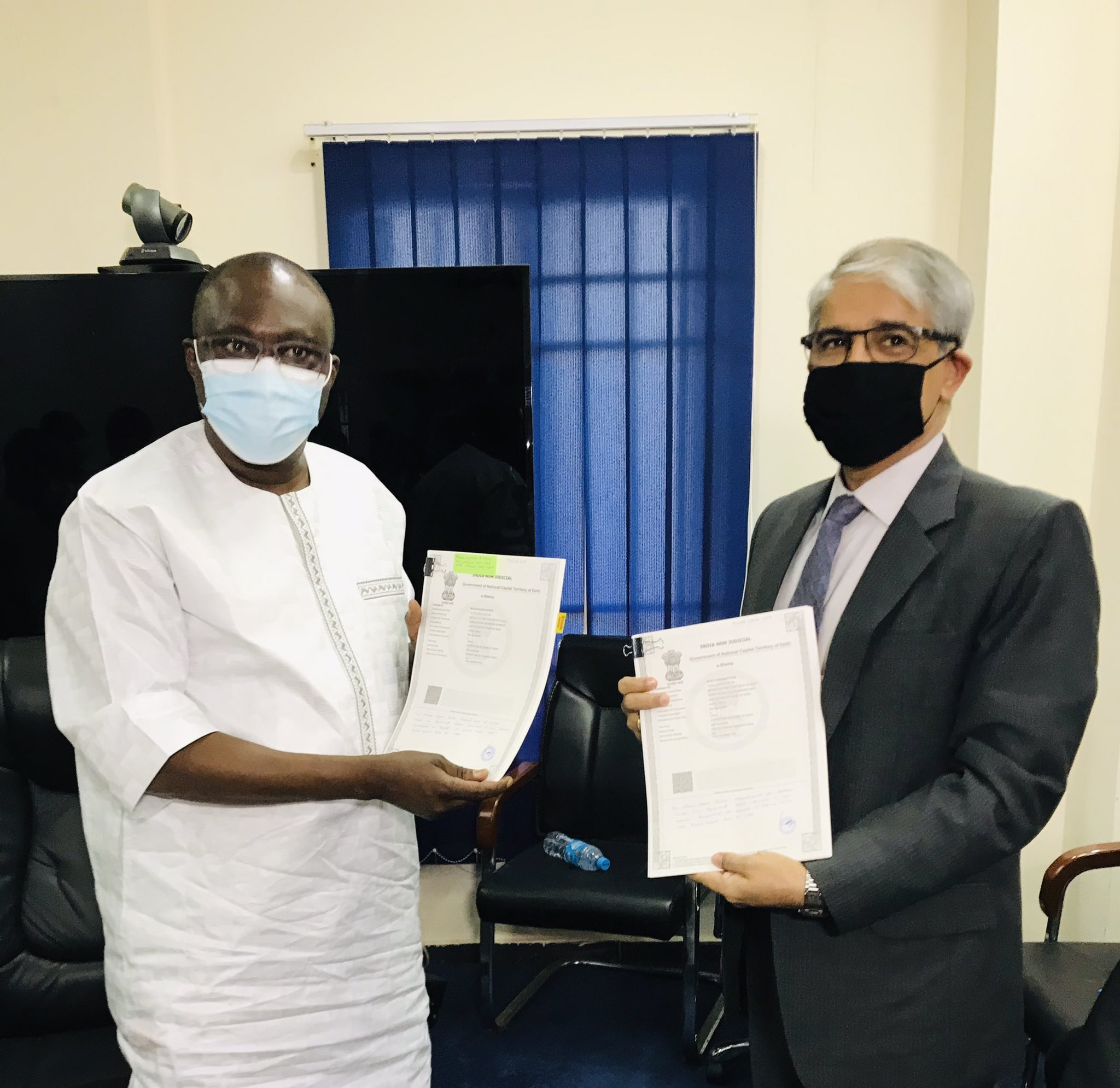 High Commissioner Rakesh Arora exchanged Agreement with Sierra Leone Ministers of Finance & Water Resources on 5 Feb 2021 for loan/Line of Credit of $15 million by India for expansion of potable water facilities in Sierra Leone