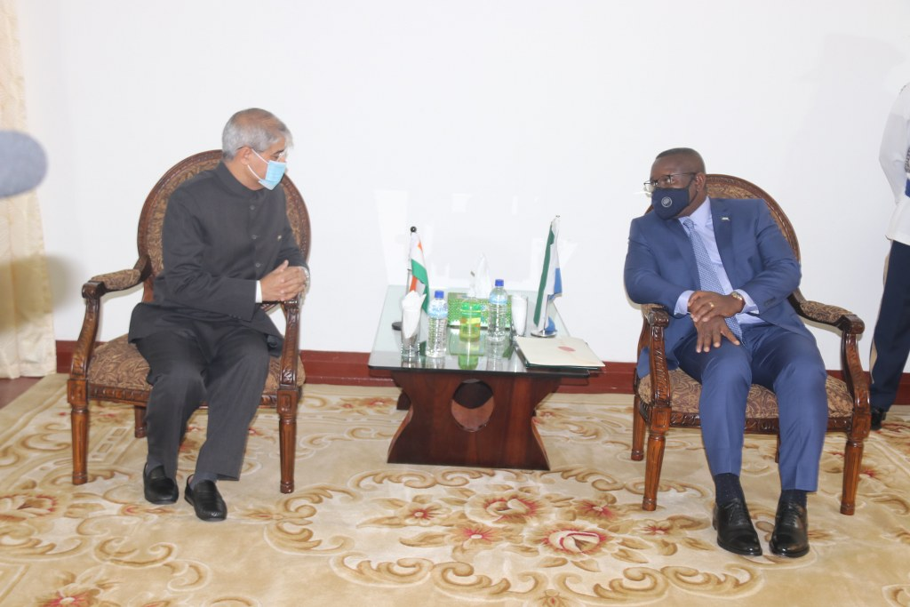 High Commissioner Rakesh Arora presented credentials on 14 Oct to H.E. President of Sierra Leone. President warmly recalled visit of our Hon Vice President to #Freetown a year ago and expressed gratitude for developmental assistance by India