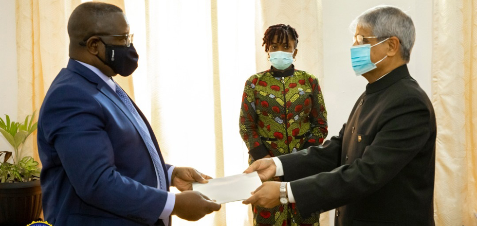 Presentation of Credentials by High Commissioner Rakesh Arora to H.E. President of Sierra Leone (14 Oct 2020).